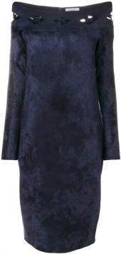 D.Exterior off shoulder fitted dress